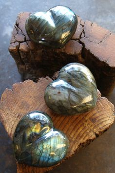 ∆ Labradorite...highly mystical stone with protective and conscious raising properties; accelerates magic, stimulates intuition, psychic gifts, and adventure; cleans psychic debris and activates the imagination; a stone of transformation and manifestation.