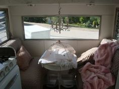 Linda's trailer from La Maison Rustique Apr 09