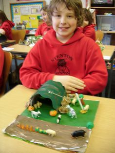 shelters/models/kids - Google Search School Projects, School Ideas, Anderson Shelter, Bomb Shelter, Air Raid, Remembrance Day, Child Models, Shelters, Primary School