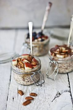 overnight oatmeal with bananas & hazelnuts / blueberries & goji berries / apple & pecan nuts