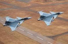 Saab South Africa to open Gripen fighter pilot school, and it won't be called Top Gun Air Force Aircraft, Fighter Aircraft, Military Jets, Military Aircraft, Fighter Pilot, Fighter Jets, Saab Jas 39 Gripen, South African Air Force, South Afrika