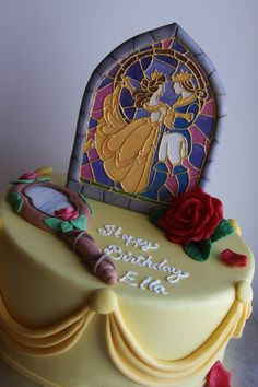 Beauty and the Beast cake. @Laura Jayson Bankin I'm putting in my cake order for my next birthday :P