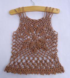 free pattern - Stitch of Love: Crochet Summer Top - Isn't this pretty?