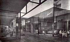 Centro Comercial Plaza Jacaranda, Calles de Genova y Liverpool, Zona Rosa, Col. Juárez, México DF 1957  Arq. Ramón Torres y Héctor Velázquez -  Jacaranda Plaza Shopping Center, Zona Rosa,  Mexico City 1957