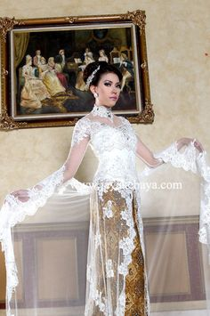 Kebaya Fashion With a good bordir and good trail fashion white light color.