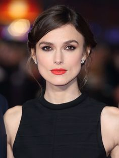 Keira Knightley's Orange Lip look from the UK Premiere of Jack Ryan: Shadow Recruit in 2014 www.lisaeldridge.com #LisaEldridge #KeiraKnightly #beauty #makeup #lipstick
