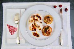 Dinde rôtie, pommes farcies et sauce au Porto Sauce Porto, French Toast, Eggs, Breakfast, Apples, Red Apple, Seasonal Recipe, Egg, Egg As Food