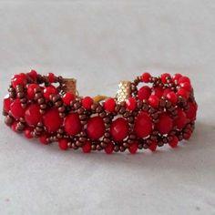 pulseira de cristais pneu indiano vermelho, e miçangas.