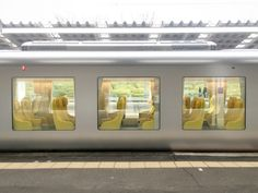 Architect Kazuyo Sejima's design for a Japanese commuter train with huge passenger windows and a curved glass nose is now in operation. Artificial Marble, Commuter Train, Corporate Identity Design, Japan Design, Transportation Design, Architect Design, Public Transport, Building Design, Scenery