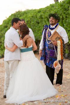 beach wedding photography, beach wedding Maui,