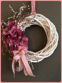 Spring Door Wreaths, Summer Wreath, Christmas Wreaths, Flower Crafts, Diy Flowers, Paper Flowers, Willow Wreath, Grapevine Wreath, Diy Wreath