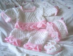 Angies Angels patterns - exclusive designer knitting and crochet patterns for your precious baby or reborn dolls, handmade, handknitted, baby clothes, reborn doll clothes Mehr Baby Doll Clothes, Crochet Baby Clothes, Doll Clothes Patterns, Clothing Patterns, Baby Knitting Patterns, Baby Patterns, Crochet Patterns, Organic Baby Clothes, Knitted Dolls