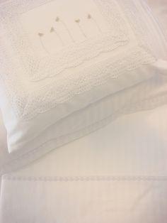 renda de algodão e bordado à mão