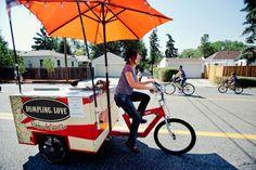 Risultati immagini per food truck bicicleta Bicycle News, Caravan Shop, Bike Food, Ice Cream Cart, Cupcakes, Cargo Bike, Bicycle Accessories, Farmers Market, Street Food