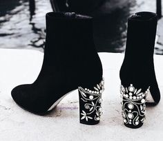 For Light and Fresh Look. 27 Sexy Street Style Shoes and Outfits To Update You Wardrobe This Summer – Top 10 Shoes Fall Fashion Style. For Light and Fresh Look. Heeled Boots, Bootie Boots, Shoe Boots, Shoes Heels, Pumps, Bootie Heels, Sock Shoes, Cute Shoes, Me Too Shoes