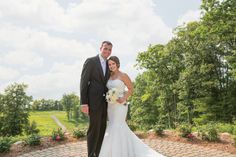 If you are a fan of intimate yet lovely open-air wedding reception, don't miss the opportunity to see Nadia and Mike's wedding album. The charming couple and the sweet touch of purple shades will surely brighten up your day. on http://www.bridestory.com/blog/a-charming-open-air-wedding-in-michigan