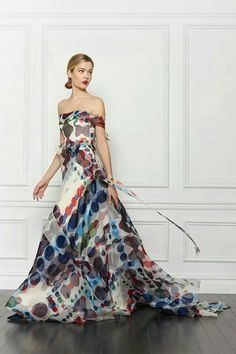 Carolina Herrera Pre-Fall 2013 - Runway Photos - Fashion Week - Runway, Fashion Shows and Collections - Vogue diaphanous flowing strapless gown dress polka dots multi colored Love Fashion, Runway Fashion, Fashion Show, Fashion Design, Fall Fashion, High Fashion, Fashion Bella, Fashion Mag, London Fashion