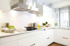 SANTOS kitchen - KOSAS DE KASA INTERIORISMO - Proyecto de Decoración de apartamento en Santiago de Compostela, La Coruña
