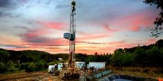 Expertos autorizan el uso del fracking en Colombia Cn Tower, Building, Travel, Oil Tanker, Bucaramanga, Colombia, Viajes, Buildings, Destinations