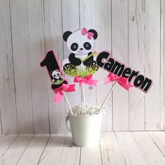 Panda centerpiece, Panda party decoration, Panda tableware Panda Themed Party, Panda Birthday Party, Panda Party, 6th Birthday Parties, Birthday Diy, 10th Birthday, Panda Decorations, Panda Baby Showers, Panda Bebe