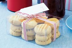 Custard biscuits - like the flavour the custard powder adds to this dough mix. Have also frozen in logs for quick mix biscuits. Custard Biscuits, Custard Cookies, Bird's Custard, Biscuit Cookies, Biscuit Recipe, Cookie Dough, Easy Biscuits, Tea Cookies, Vanilla Cookies