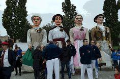 cosasdeantonio: Gigantes de Barañain en Echavacoiz - Año 2016 Couple Photos, Couples, October, Fiestas, Couple Shots, Couple Photography, Couple, Couple Pictures