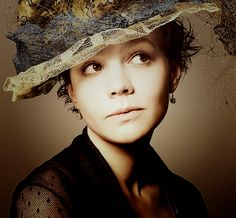 The eyes, the hat