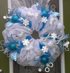 Winter Wonderland Wreath- Tourquoise and White
