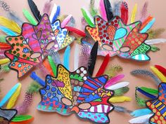 School Art Projects, Art School, Theme Carnaval, Ceramic Teapots, Pin Up Art, Valentine Crafts, Famous Artists, Graffiti Art, Artist Art