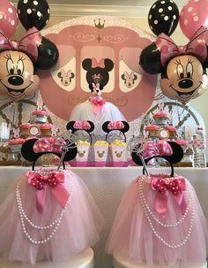 Princess Birthday Party Supplies and Princess Party Favors-Disney Princess Party Ideas. Princess Theme Birthday, Minnie Mouse 1st Birthday, Minnie Mouse Theme, Minnie Mouse Baby Shower, Baby Girl Birthday, 2nd Birthday Parties, Princess Party, Birthday Ideas, Mickey E Minie