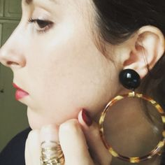 Comment porter les boucles d'oreilles - Personal Stylist Paris - Dress like a Parisian