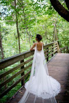 Fantastic Wedding Advice You Will Want To Share Wedding Cape Veil, Bridal Cape, Wedding Veils, Chic Wedding, Dream Wedding, Wedding Dresses, Wedding Beauty, Strictly Weddings, Wedding Advice