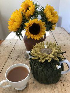 Free Sunflower Tea Cosy Tutorial! | LoveCrochet Blog | Bloglovin'