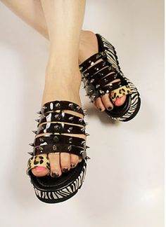 do you dare to wear this? will it hurt somebody? >< @ http://trendy-stilettoheels.blogspot.com