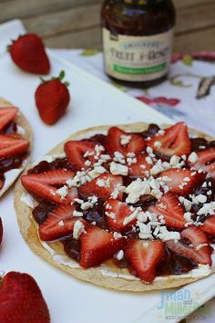 #SpreadTheHeat #ad Spicy Strawberry Fruit Pizza Final 3