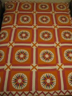 Circle Quilt Patterns, Circle Quilts, Yellow Quilts, Colorful Quilts, Antique Quilts, Vintage Quilts, New York Beauty, Mariners Compass, Nautical Design