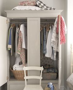 Vintage textiles and country style wardrobe
