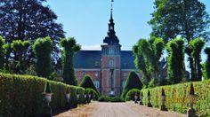 Ravnholt Slot og Gods 7 km nordøst for Ringe på Fyn.