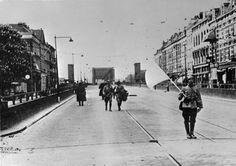 Website over de tweede wereld oorlog met heel veel info http://www.tweedewereldoorlog.nl/