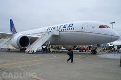 Inside United's First 787 Dreamliner At Boeing HQ | Gadling.com