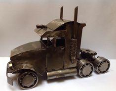 ¡ENVÍO GRATIS a todo MÉXICO! Tractor de Trailer. Arte en metal reciclado.