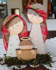 Pin by Lisa Reed on wood crafts Christmas Wood Crafts, Diy Christmas Decorations Easy, Nativity Crafts, Christmas Sewing, Christmas Nativity, Kids Christmas, Christmas Ornaments, Nativity Ornaments, Navidad Diy