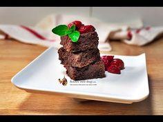 Cornuri fara framantare umplute cu visine | Retetele mele dragi Delicious Chocolate, Chocolate Desserts, I Foods, Deserts, Cookies, Sport, Cake, Salads, Biscuits