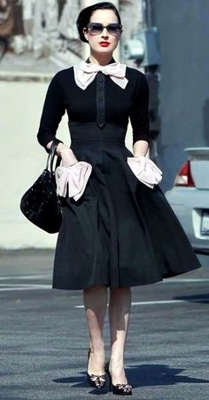 Retro Style Dita Von Teese, Day Dress with bow pockets - Vintage Outfits, Classy Outfits, Vintage Dresses, Vintage Fashion, Trendy Outfits, Trendy Dresses, Elegant Dresses, Day Dresses, Fashion Mode