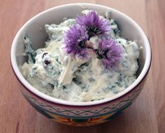 Briciole di Salute di Anna Pecorari: Crema di yogurt di soia con erbette e olive nere