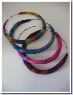 Just had a thought for a headpiece! Textile Jewelry, Fabric Jewelry, Felted Jewelry, Jewellery, Wet Felting, Needle Felting, Diy Leather Bracelet, Felt Necklace, Textiles