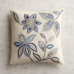 Marvelous Crewel Embroidery Long Short Soft Shading In Colors Ideas. Enchanting Crewel Embroidery Long Short Soft Shading In Colors Ideas. Cushion Embroidery, Learn Embroidery, Machine Embroidery Patterns, Crewel Embroidery, Ribbon Embroidery, Quilt Patterns, Embroidery Kits, Cushion Cover Designs, Patchwork Cushion