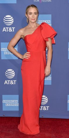 962ccd703c Emily Blunt strutted down the red carpet in a ruffled