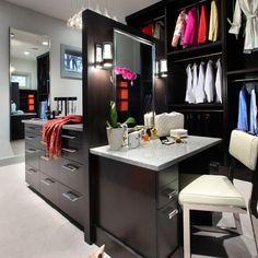 Walk in closet | Makeup Organization | Dressing Table | Decoration | Vanity Table | Romm | Bedroom | Home | Design | Penteadeira | Quarto