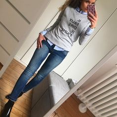Maman Poule 🐥🐥❤️… Sunday Outfits, Fall Outfits, Casual Outfits, Fashion Outfits, New Look Fashion, Work Fashion, Autumn Fashion, Mode Jeans, Sweaters And Jeans